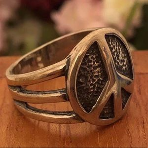 R2004 Silpada Oxidized Sterling Silver Peace Ring